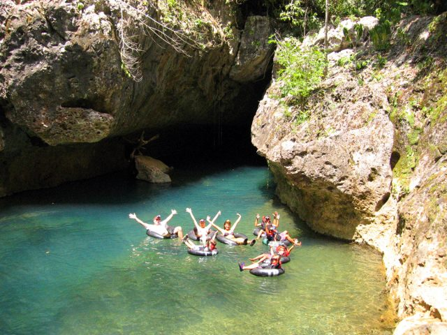 The belize x-stream cave tubing wave, Belize